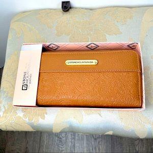 Stone Mountain Wallet Women's Leather NWT